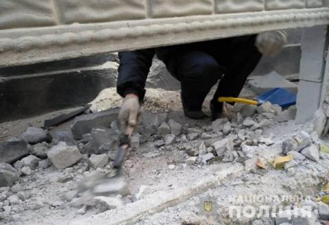 На Миколаївщині невідомі кинули в подвір'я вибухівку