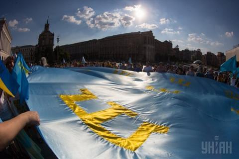 Половина українців хочуть, щоб Крим одержав кримськотатарську автономію