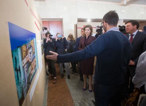 У Житомирі Марина Порошенко відвідала фестиваль сучасної культури «Жовтень у Жовтні» та презентувала молодіжний проект «Дитяча демократія»