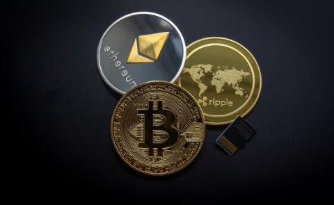 Курс криптовалют на ринку різко зріс