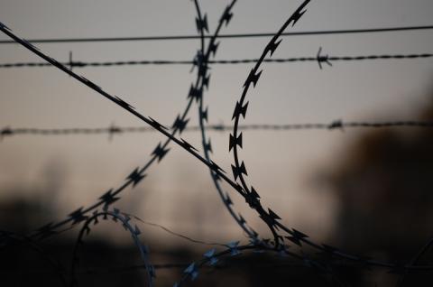 Порошенко підписав закон, за яким дозволять ув'язнювати росіян за незаконний перетин кордону