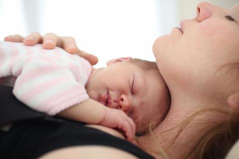 Мами хлопчиків значно частіше страждають від післяродової депресії, – дослідження