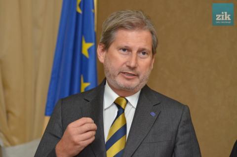 Сьогодні для обговорення прогресу у реформах до Києва приїде єврокомісар Йоганнес Ган