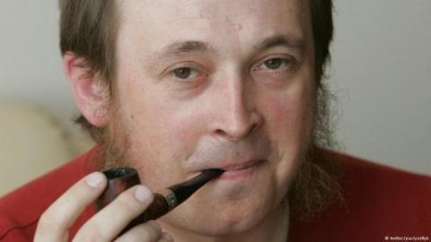 Наступ на свободу слова у Білорусі: звинувачують кореспондента DW та двох редакторів