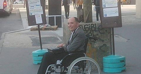 Водій висадив усіх пасажирів, щоб дати місце інвалідові