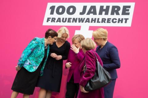 Ангела Меркель: Ніхто більше не сміється з того, що дівчина каже, що хоче стати канцлером