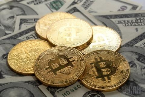 Вслід за гривнею впав ринок криптовалют