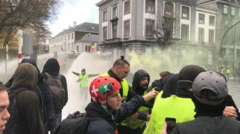 Під час протестів у Брюсселі поліція застосувала водомети і сльозогінний газ