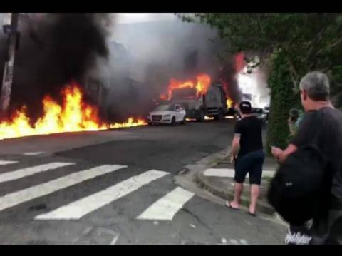 У Бразилії літак впав на житлові будинки, є загиблі