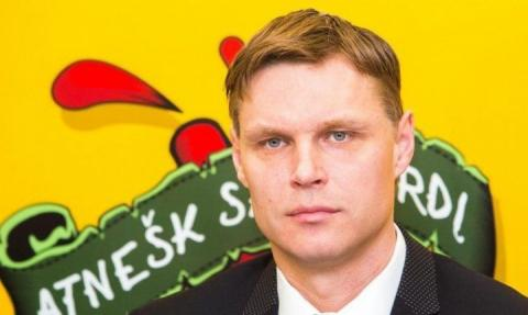 Суперник збірної України з футболу по Євро-2020 залишився без тренера
