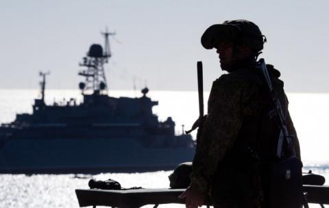 Росія перед нападом в Азовському морі вдвічі наростила сили біля кордону з Україною, – Муженко