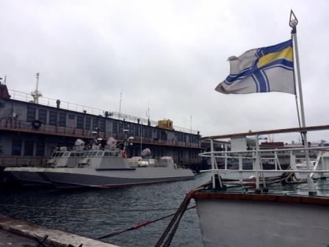 Українські морпіхи випробовують десантно-штурмові катери «Кентавр»