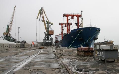 Росія блокує протоку, а українські порти змушені скоротити робочий тиждень, – Омелян