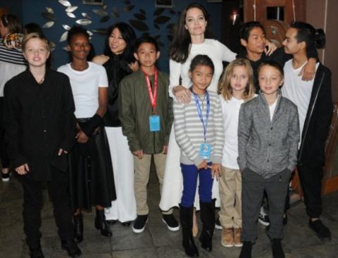 Анджеліна Джолі розмовляє зі своїми дітьми про сексуальне насильство