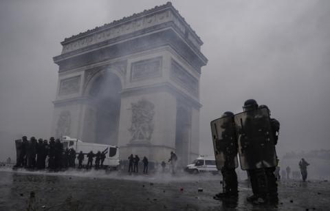 Масові протести «жовтих жилетів»: Франція готує на суботу 90 тисяч поліції