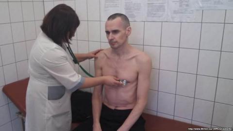 Досі у медчастині: Російський режисер повідомив про стан Сенцова