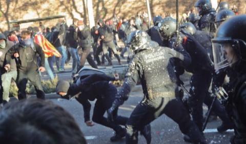 Протести у Барселоні: 12 затриманих, півсотні постраждалих