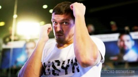 Олександр Усик перший свій бій у суперважкій вазі може провести у квітні 2019 року