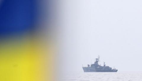 Поблизу Феодосії помітили ракетний фрегат РФ, що прямує до Азовського моря