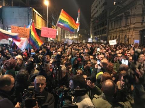 У Белграді багатотисячний натовп втретє протестував проти президента Вучича