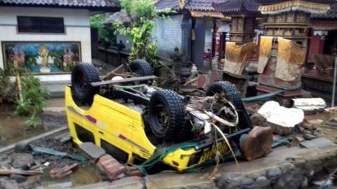 Смертельне цунамі в Індонезії: вже 168 загиблих