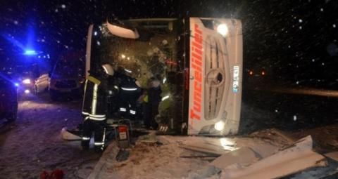 У двох ДТП з автобусами у Туреччині загинули троє людей, поранені – 55