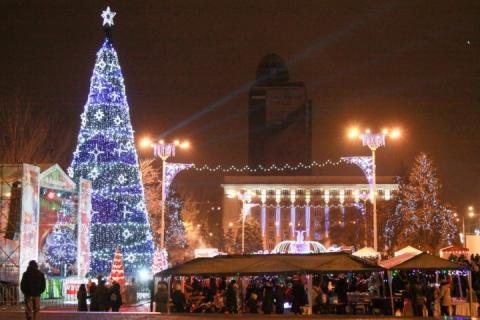 «Новорічний настрій»: в ОРДЛО скасують комендантську годину на Новий рік та Різдво
