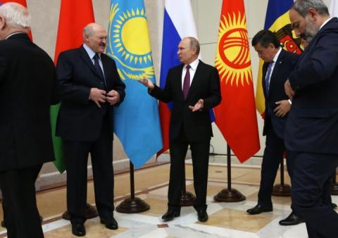 Путін привітав з Новим роком всіх світових лідерів, крім Порошенка і Зарубішвілі