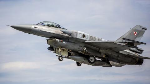 Повітряний простір Балтії охороняють польські винищувачі