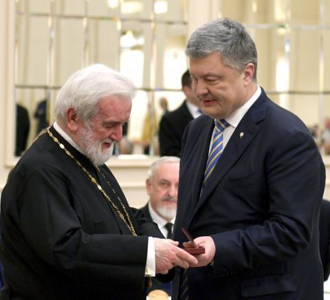 Ми пройшли всі випробування і створили незалежну Православну Церкву України - Президент вручив державні нагороди