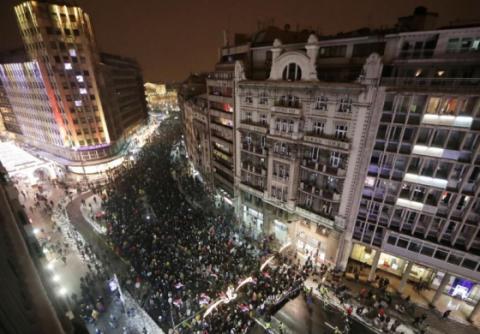 У Сербії п'яті вихідні поспіль відбулися масові протести проти президента