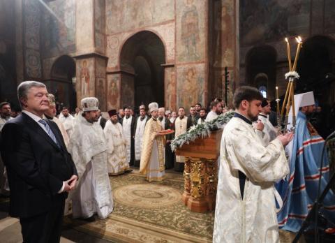 Ми визволили нашу Церкву з московської неволі – Президент про отримання Томосу про автокефалію Православної Церкви України