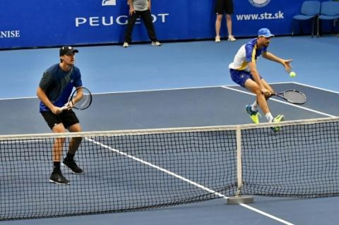 Денис Молчанов зіграє в 1/4 парного фіналу тенісного турніру в Канберрі