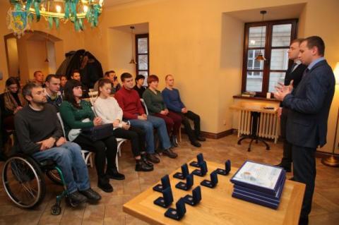 Провідні спортсмени-паралімпійці Львівщини отримали нагороди ЛОДА