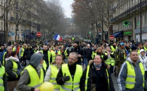 У Франції під час акції «жовтих жилетів» затримано 240 осіб