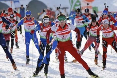 Норвежець Йоханнес Тінґнес Бьо зміцнив лідерство у КС-18/19 з біатлону