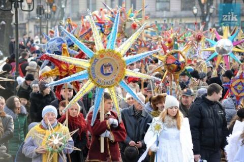 За рік українців стало менше на 208 тисяч, – Держстат