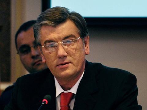 Влада, за якою не стоять десятки мільйонів людей, не може діяти ефективно, – Ющенко