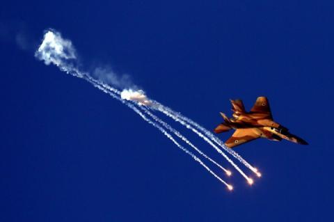 Ізраїль стріляв по іранських об'єктах в Сирії