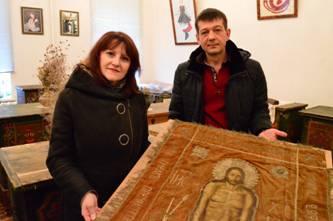 УПЦ МП повернула Україні унікальну Плащаницю ХІХ століття