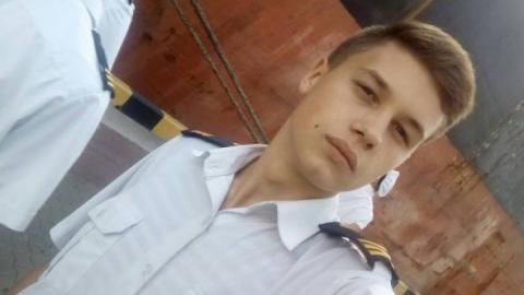 Українському моряку Ейдеру потрібна операція: у нього поранені ноги та судоми