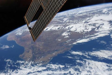 Місце, де зустрічається два океани: астронавт опублікував красиве фото з космосу