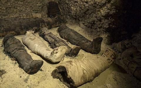 В Єгипті знайшли некрополь із 40 муміями