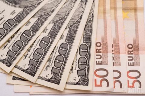 Долар та євро суттєво подешевшали після вихідних, – курси валют