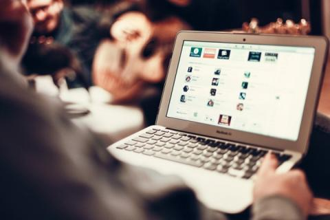 Королівство Тонга два тижні було без інтернету, але тепер люди знову онлайн