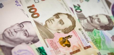 Банки підвищили ставки за депозитами у валюті