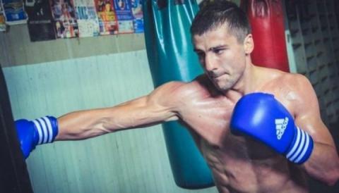 Боксер Олександр Гвоздик розпочав підготовку до першого захисту свого титулу
