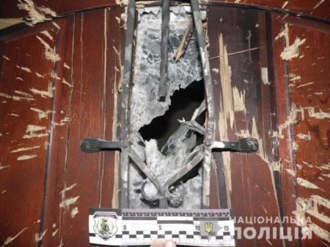 Під двері будинку директора ринку в Рівному кинули гранату