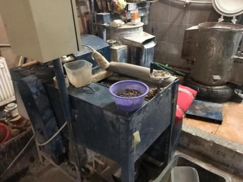 СБУ вилучила 6,5 тонн бурштину на підпільному комплексі з його обробки