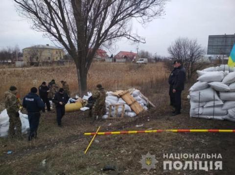 Поблизу Дніпра затримали озброєних чоловіків, які споруджували блокпост